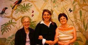 Annie Graz, Alessandra Ferrari e Lucia Vergara (proprietária da obra)